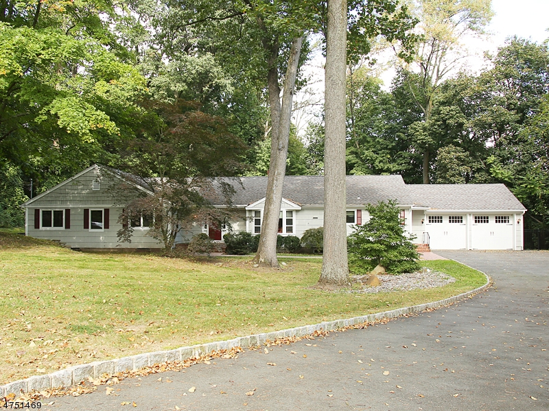 34  Wyndmoor Dr Morris Twp, NJ 07960-4632