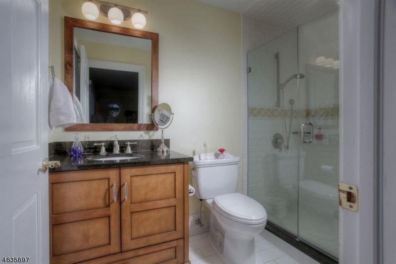 12  Cobblefield Dr Bernardsville Boro, NJ 07924-1301