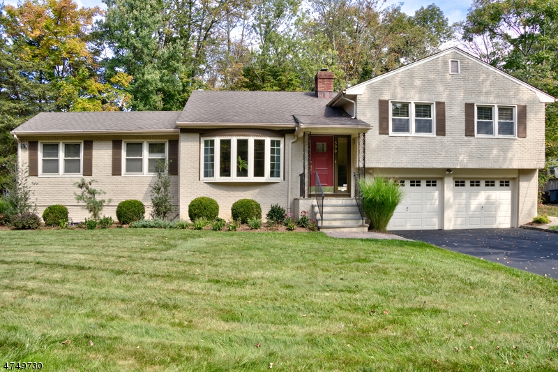 590  White Oak Ridge Rd Millburn Twp, NJ 07078-1368