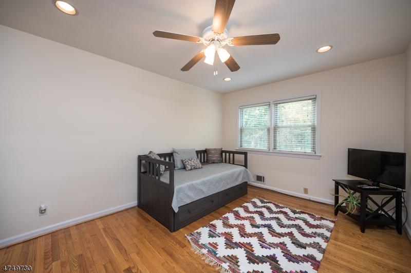 590  White Oak Ridge Rd Millburn Twp, NJ 07078-1368