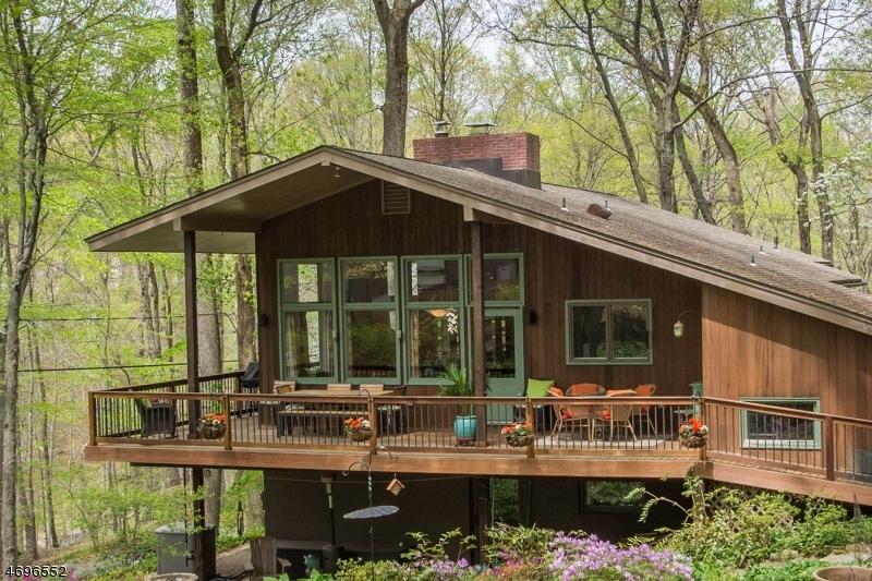76  Lake Trl E Harding Twp, NJ 07960-6748