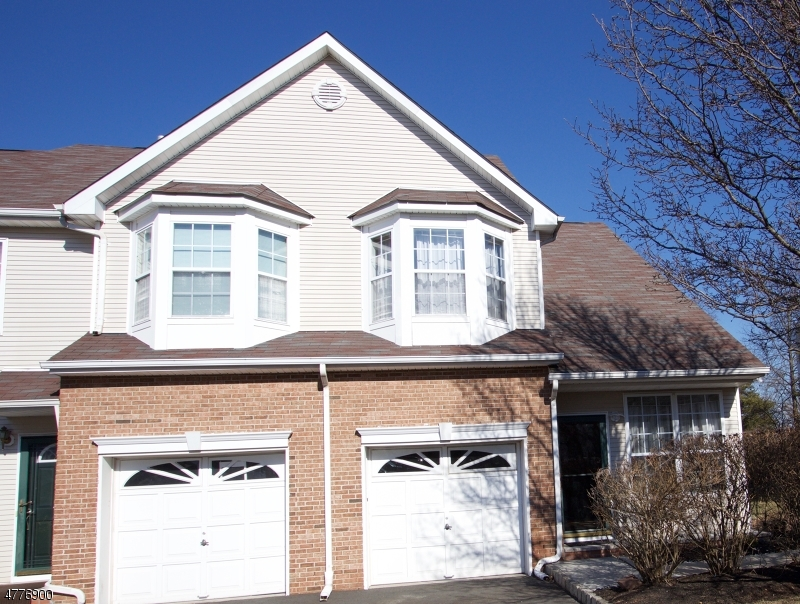 32  Gallop Ln Franklin Twp, NJ 08873-5349