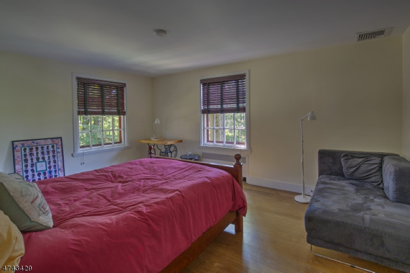 34  Buckley Hill Rd Morris Twp, NJ 07960-2623