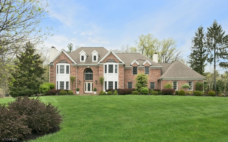 5  Ponds Edge Ln Warren Twp, NJ 07059-6832