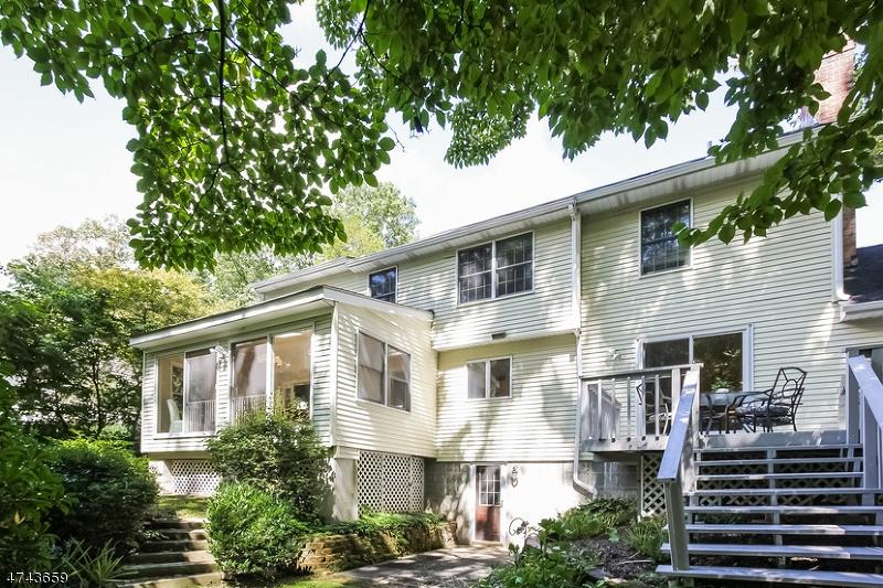 41  Maple Village Ct Bernardsville Boro, NJ 07924-2509