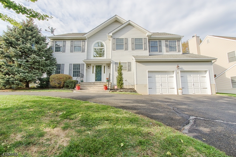 7  Fox Hollow Trl Bernardsville Boro, NJ 07924-2538