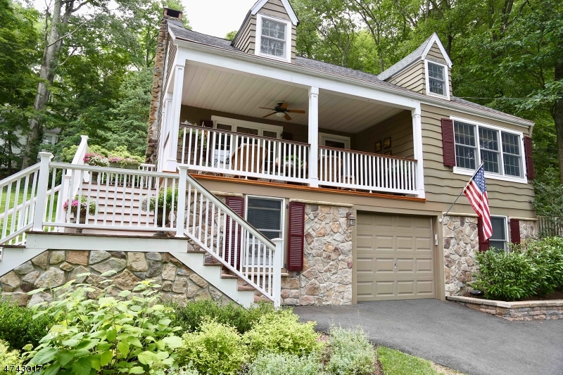44  Lake Trl E Harding Twp, NJ 07960-6748