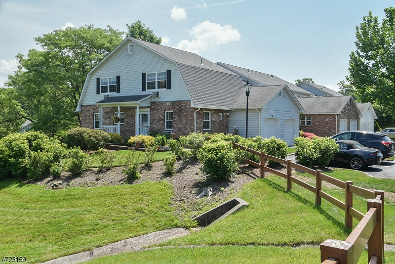26  Lexington Ct Chatham Twp, NJ 07928-2908