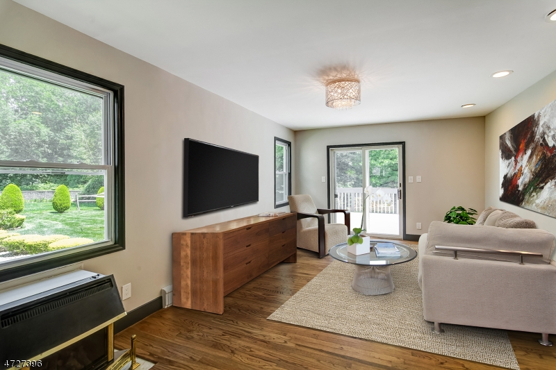 822  Ridgewood Rd Millburn Twp, NJ 07041-1548