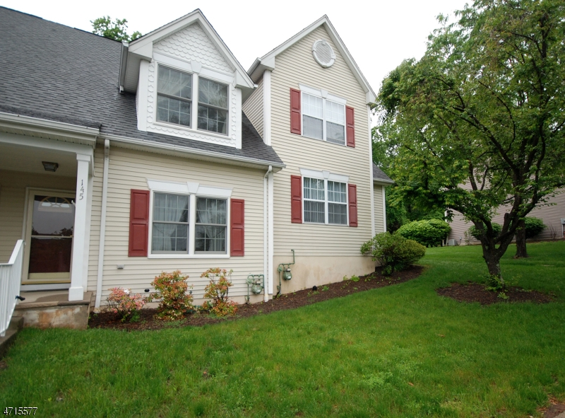 145  Town Center Dr Warren Twp, NJ 07059-5691