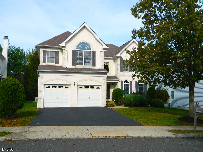 35  Watchung Dr Bernards Twp, NJ 07920-4238