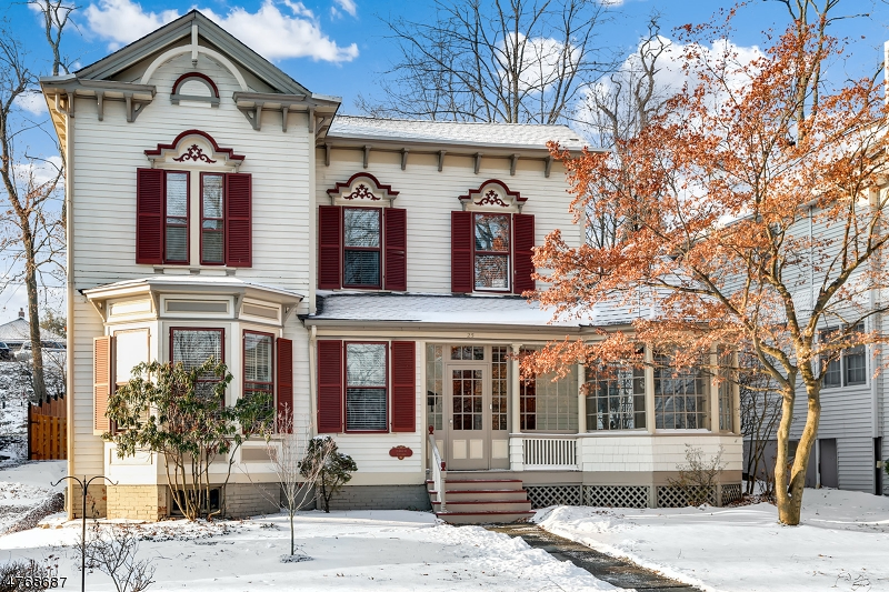 25  Hill St Morristown Town, NJ 07960-5328