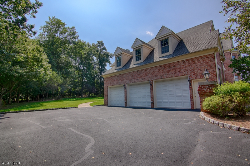 20  Thistle Ln Warren Twp, NJ 07059-5564
