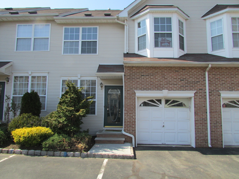 7  Reins Ct Franklin Twp, NJ 08873-5340