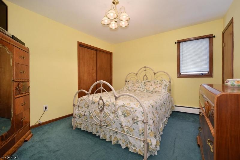 8  Roscoe Ave Madison Boro, NJ 07940-2418