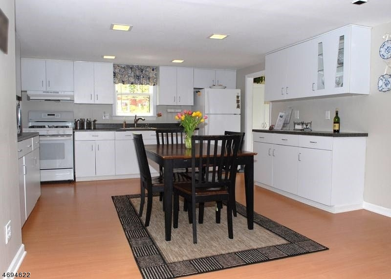 44  Mitchell Ave Warren Twp, NJ 07059-5734