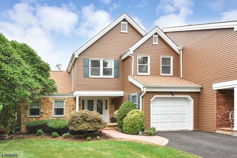 32  Pilgrim Ct Morris Twp, NJ 07960-5737