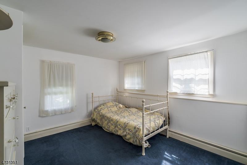 16  Brooklake Rd Madison Boro, NJ 07940-2301