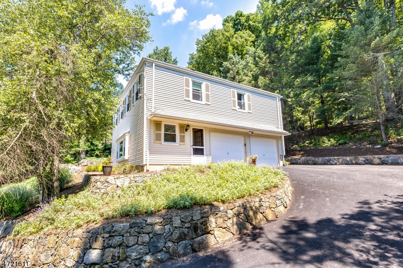 15  Butterworth Dr Morris Twp, NJ 07960-2626