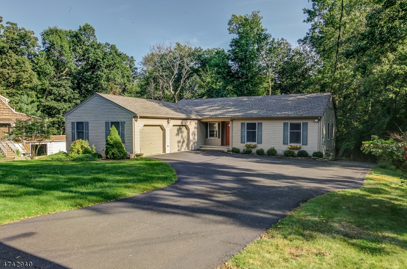40  OLD SMALLEYTOWN RD Warren Twp, NJ 07059