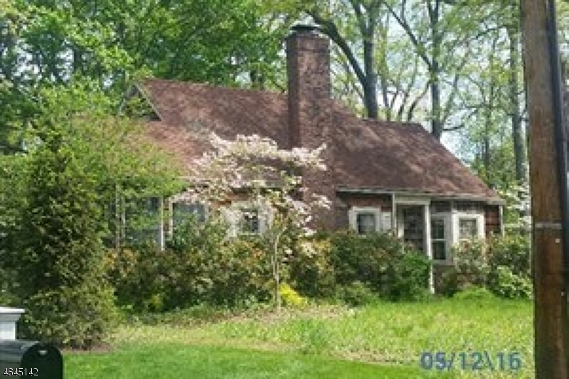 18  Homestead Rd Bernards Twp, NJ 07920-1509