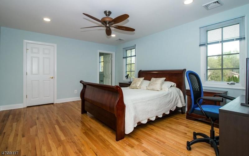 408  White Oak Ridge Rd Millburn Twp, NJ 07078-1230