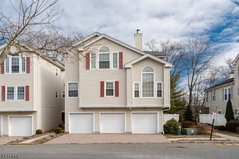 62  Witherspoon Ct Morris Twp, NJ 07960-2735