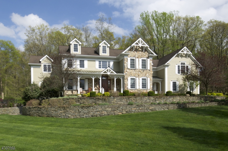 11  Combs Hollow Rd Mendham Twp, NJ 07945-2204
