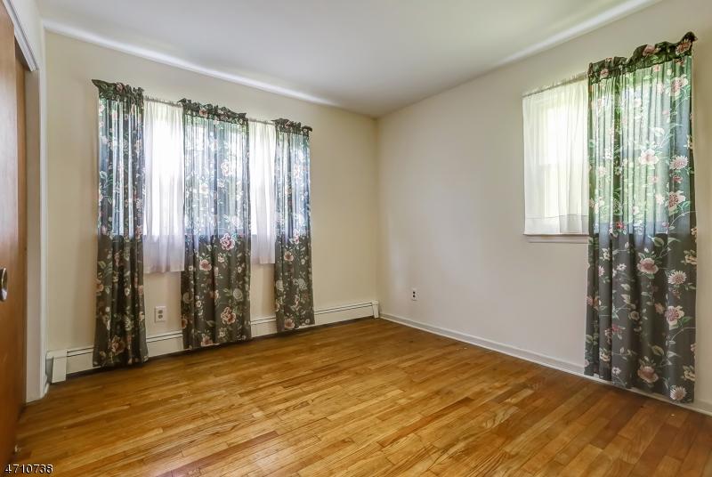 67  Whitenack Rd Bernards Twp, NJ 07920-2055