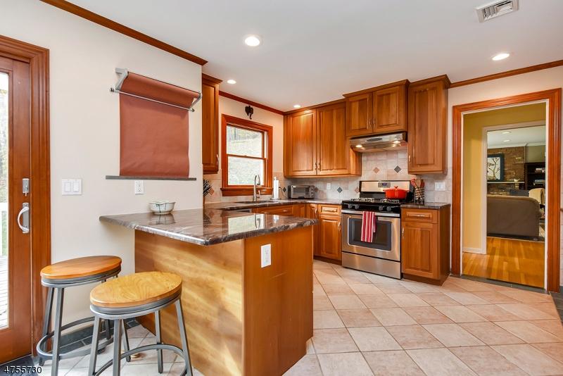 62  Center Ave Morris Twp, NJ 07960-5006