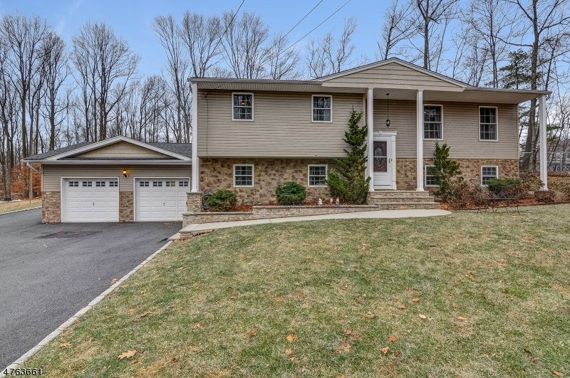 44  Valley View Rd Warren Twp, NJ 07059-5424