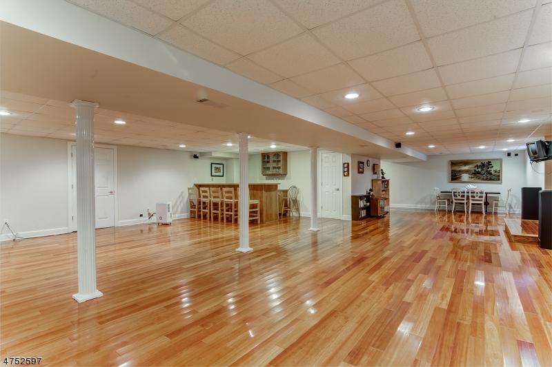 100  Main St Peapack Gladstone Boro, NJ 07977