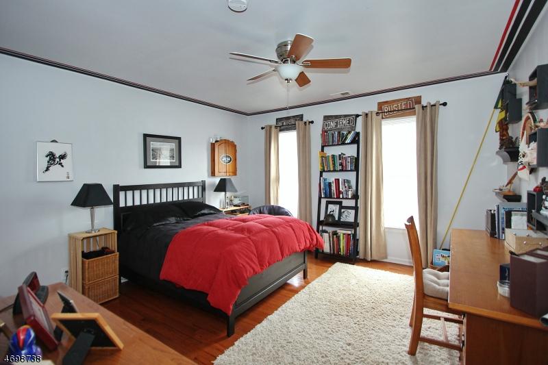 38  Revere Dr Bedminster Twp, NJ 07921-1800