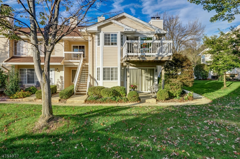 63  Foxwood Ct Bedminster Twp, NJ 07921-1432