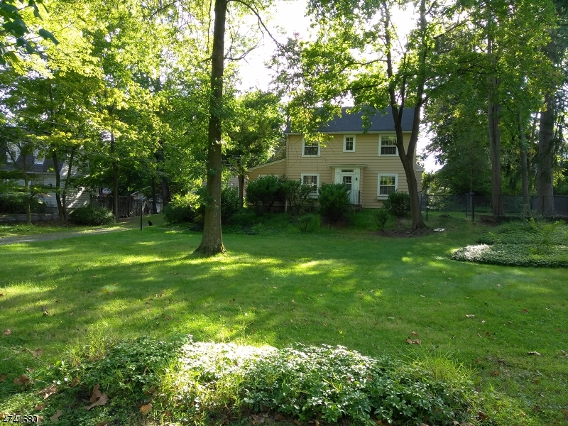 35  Woodcrest Ave Millburn Twp, NJ 07078-2149