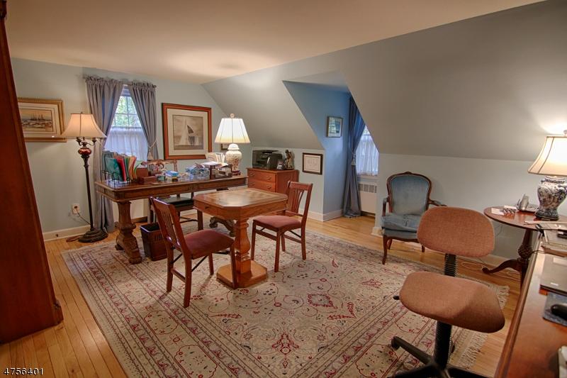 10  Old Fort Rd Bernardsville Boro, NJ 07924-1811
