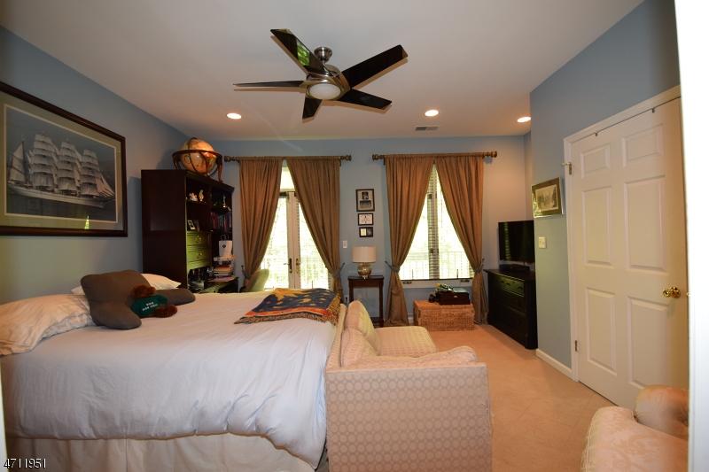 207  Somerville Rd Bernards Twp, NJ 07920-2923