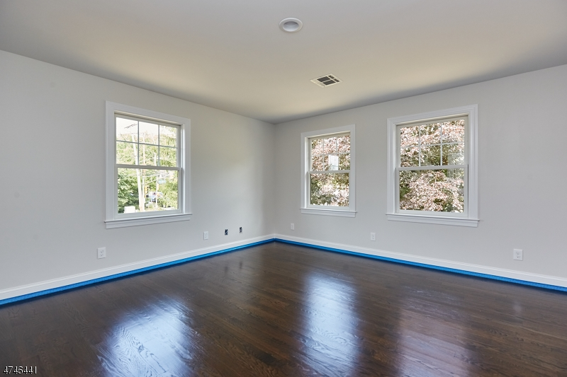 467  Old Short Hills Rd Millburn Twp, NJ 07078-1722