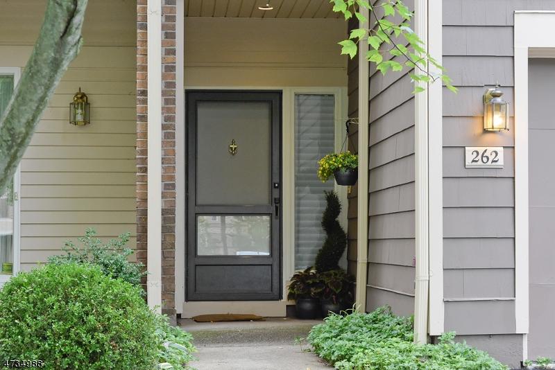 262  Oxford Ct Madison Boro, NJ 07940-1146