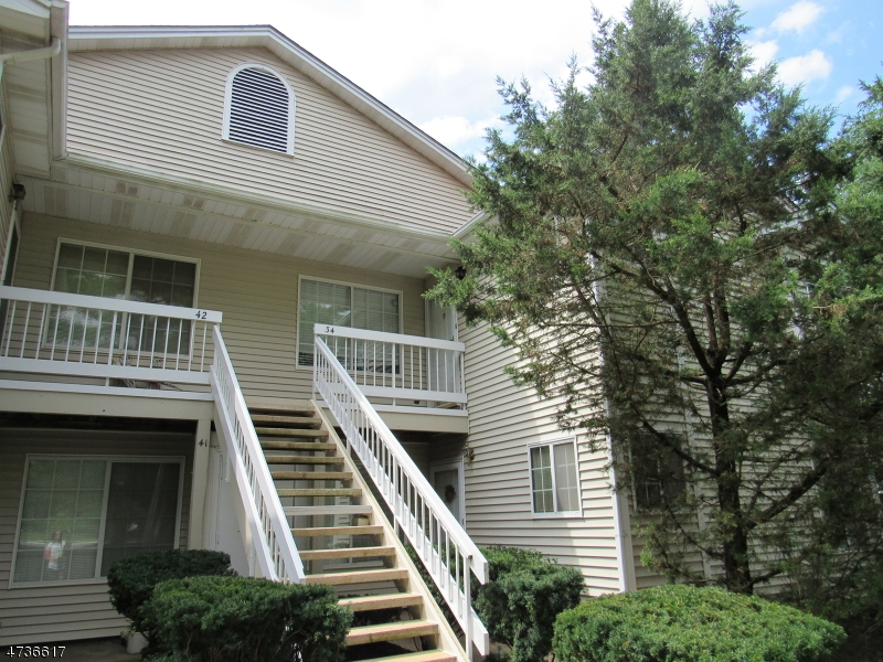 34  Tansy Ct Bedminster Twp, NJ 07921-1403