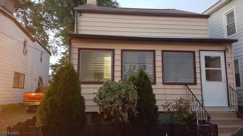 9  Henry St Morristown Town, NJ 07960-3830
