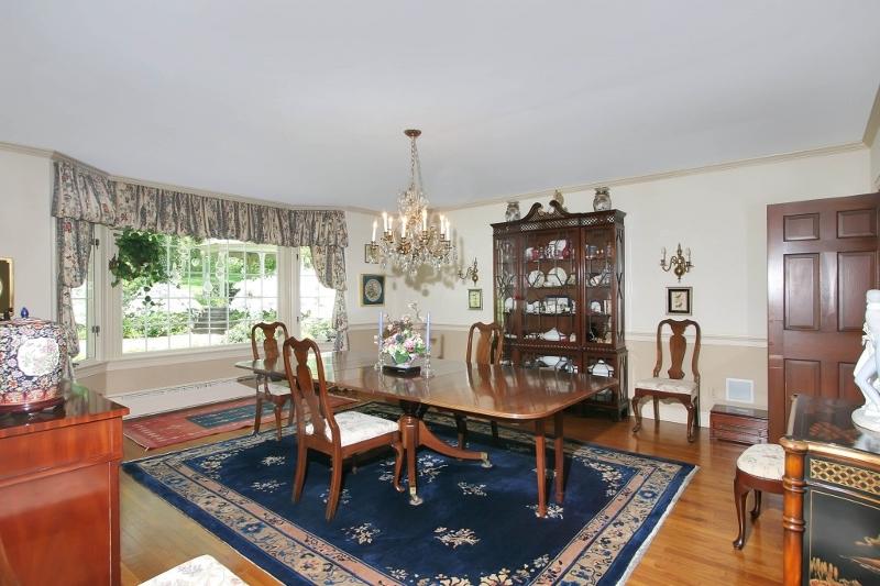 60  Overleigh Rd Bernardsville Boro, NJ 07924-1510