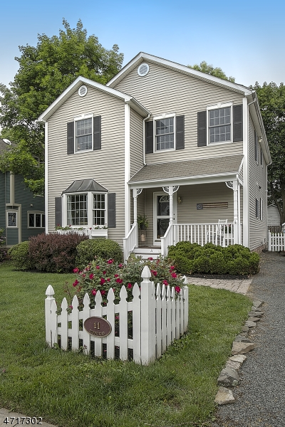 11  Dumont Rd Far Hills Boro, NJ 07931-2814