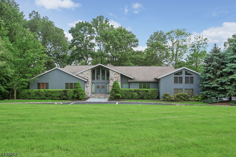 2  HILLTOP COURT Warren Twp, NJ 07059-5486