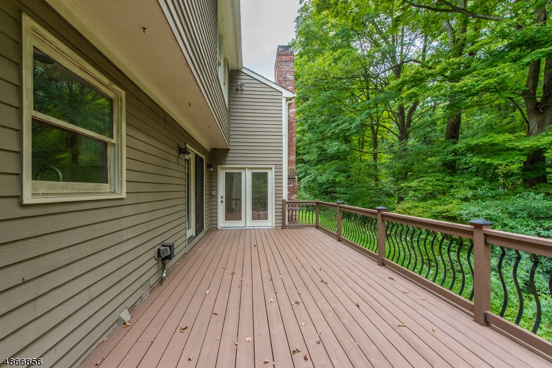 Large deck perfect for entertaining.