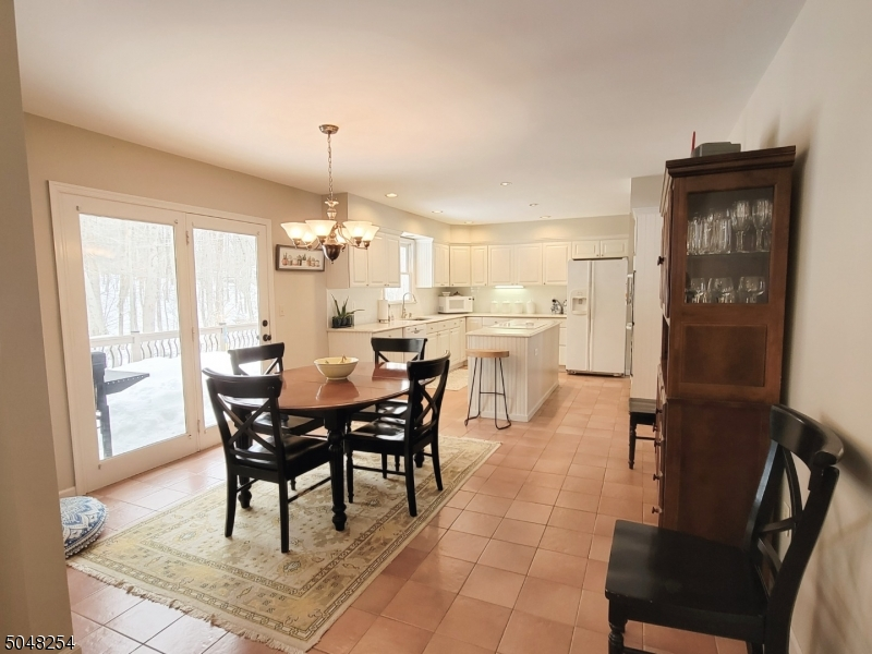 Tile floor, updated kitchen with double wall ovens