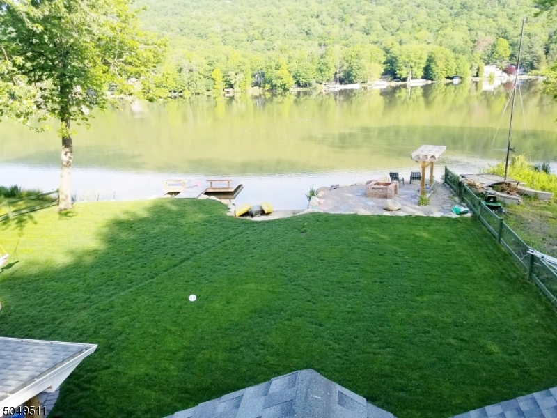 Dock, fire pit, private sand area