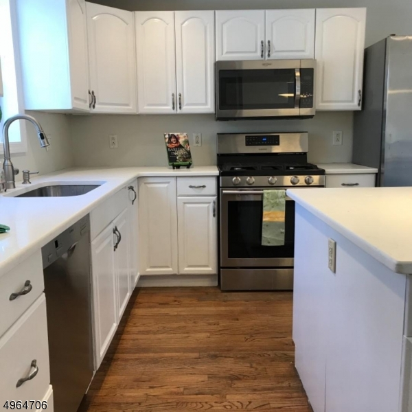 Stainless Steel Appliances and Island