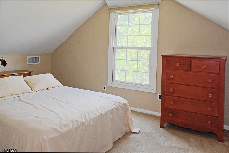 Additional bedroom space