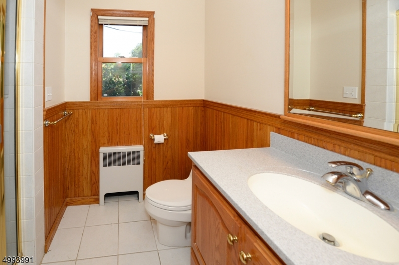 Full First floor bath with shower